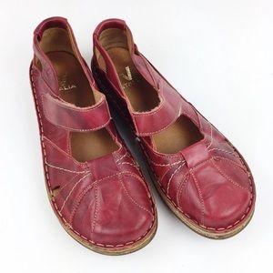 V Italia Genova Mary Jane Red Leather Slip-on